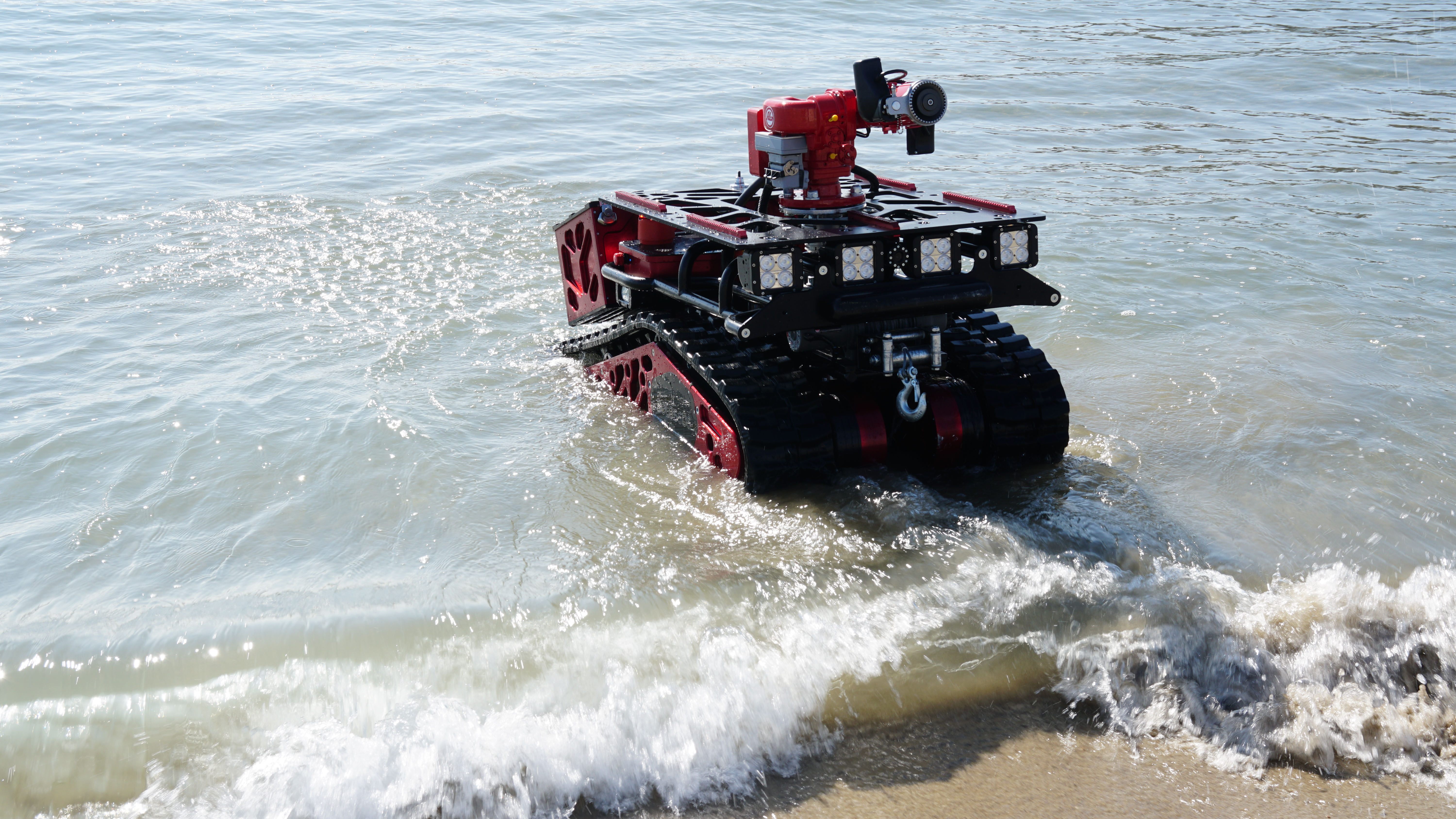 Colossus eau-Shark Robotics