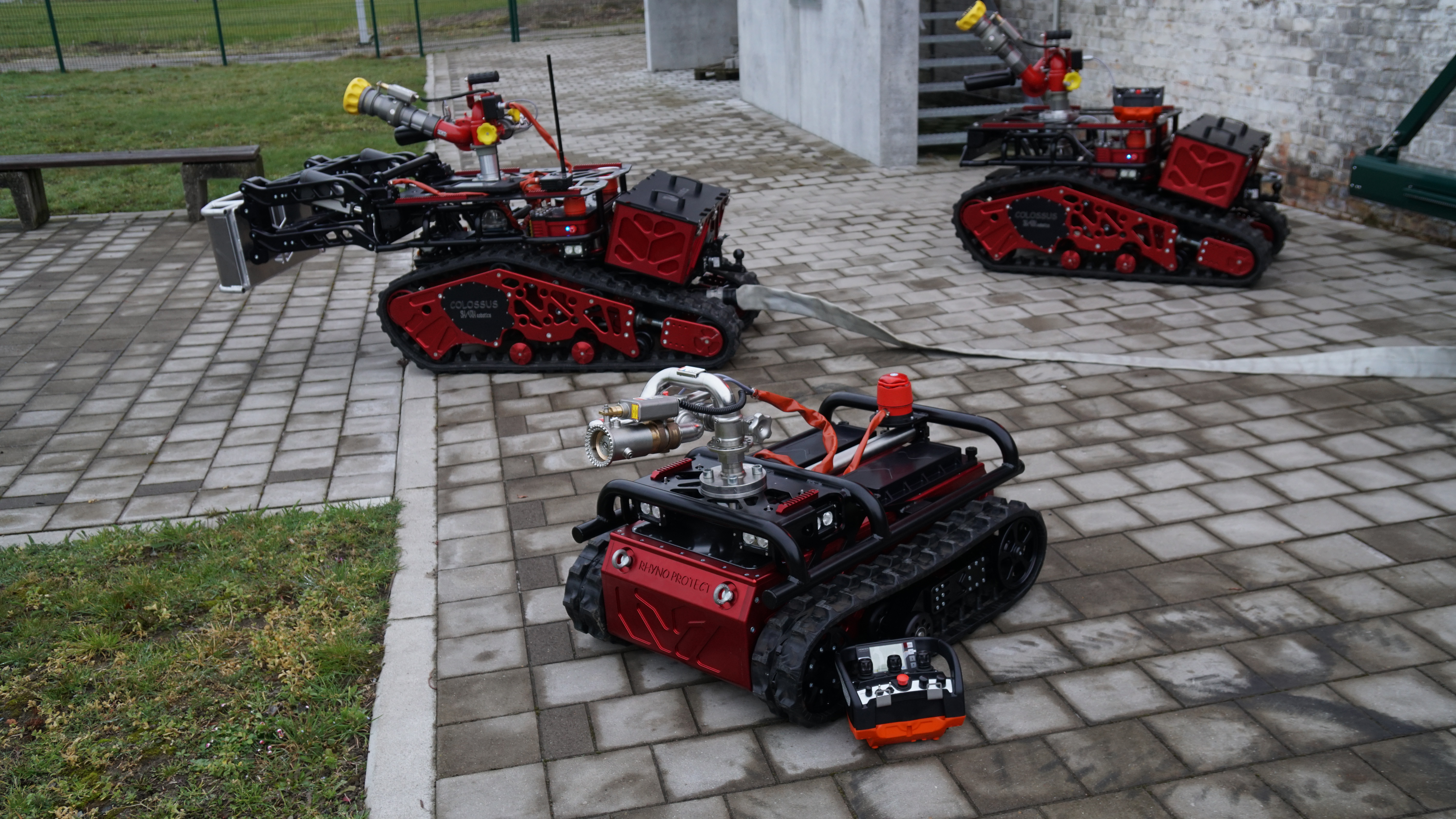 Gamme robots pompiers-Shark Robotics-Colossus & Rhyno Protect
