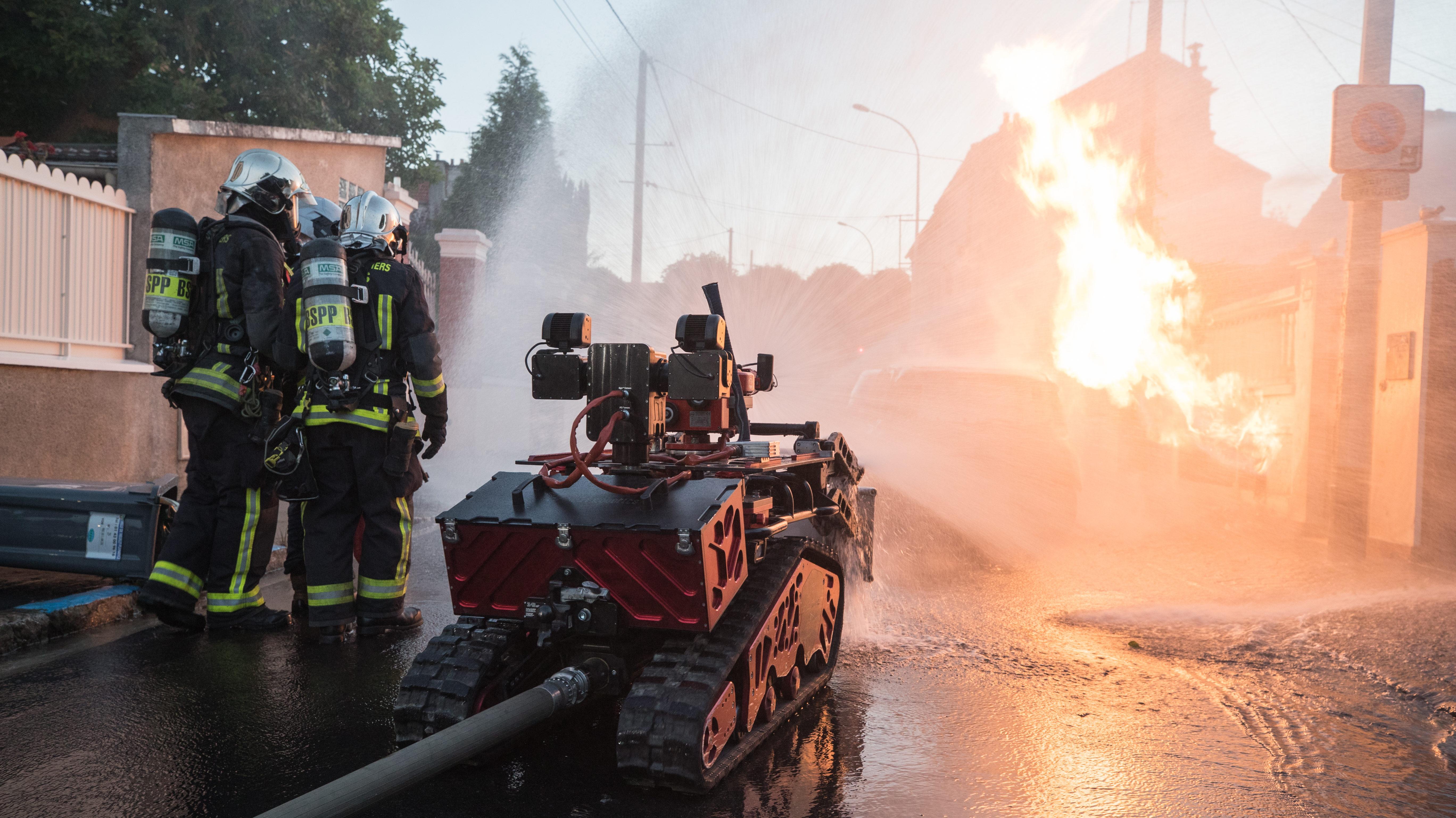Shark Robotics-Colossus-Robot pompier-Feux industriel